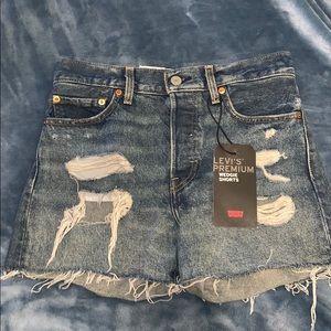 NWT Levi's Wedgie Shorts SZ 27